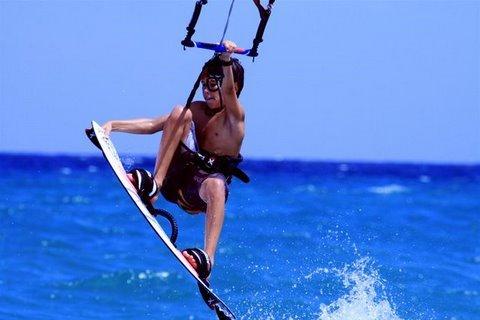 kite-shop-surfing-kiteboarding-den-deti-na-vode-3