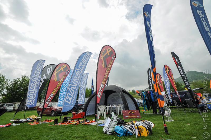 report-palavsky-kitefest-mcr-kiteboarding-2014-harakiri-kite-kurzy-flysurfer-naish-nobile-peter-lynn-neopreny-gul-test-day