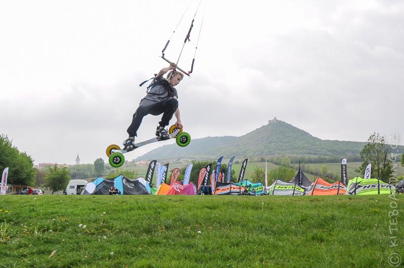 report-palavsky-kitefest-mcr-kiteboarding-2014-harakiri-kite-kurzy-flysurfer-naish-nobile-peter-lynn-neopreny-gul-test-day-lristian-kiko-hrkr-valenty-landkiting-speed-4-lotus