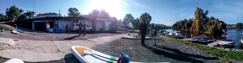 prahou-pres-3-jezy-na-paddleboardu-red-paddleboard-sup
