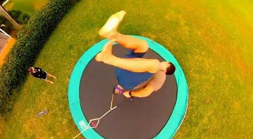 Jak bezpečně trénovat kite triky na trampolíně