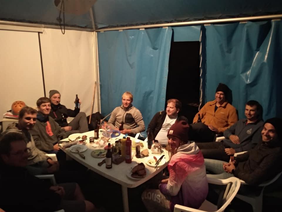 Kite-zakladna-Rujana-Harakiri-party.jpg