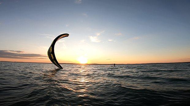 Kitesurfing trip Balaton 7/2020 - západ slunce