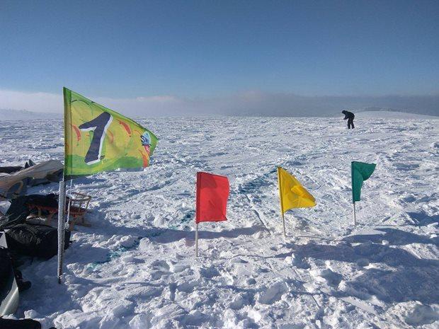 Strormy-Moldava-snowkite-race-startovaci-bojka.jpg