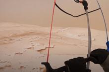 Psychadelický snowkiting na saharském písku