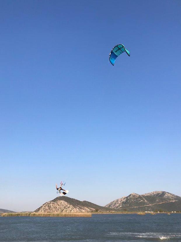 Recenze Kite S25 Naish Boxer - onefoot
