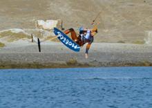 Kite hydrofoiling - drahý nebo levný?