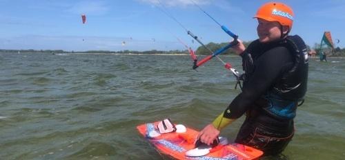 jak vybrat kite kurz a ušetřit - první jízdy na mělké vodě