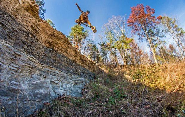 jak vybrat správný mountainboard pro landkiting - downhill MBS