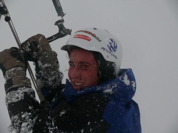 snowkiting-kite-peter-lynn-charger-snowkite-helma.jpg