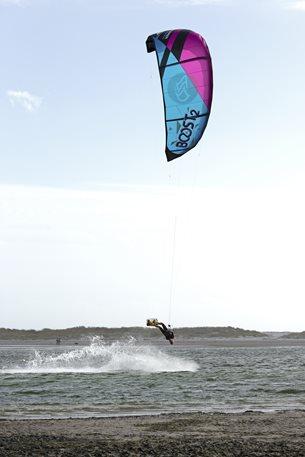 Flysurfer-free-repair-warranty-boost2.jpg