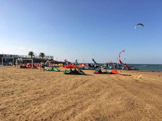 Jak se (ne)ztratit na moři - Hurghada kite pláž