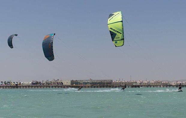 Kite-trip-Egypt-2019-Nais-gang.jpg