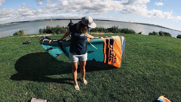 Naish Triad Nove Mlýny kajterka test - na pláži nefouká