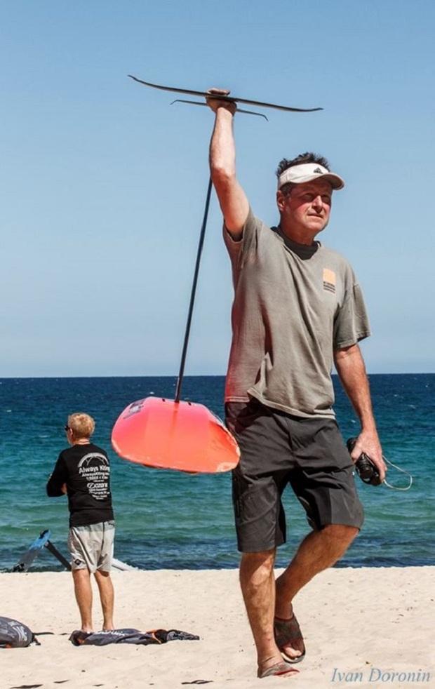 Kite-race-hydrofoil-Mikes-Lab-(1).jpg