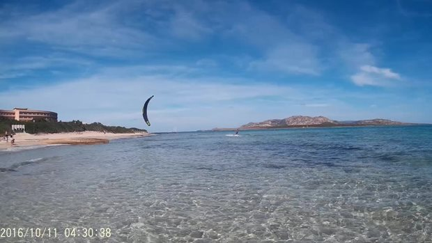Flysurfer-Sonic-Sardinie-2.jpg