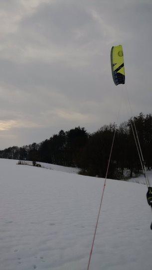 Kite-Flysurfer-Peak3-freeride-u-lesa.jpg