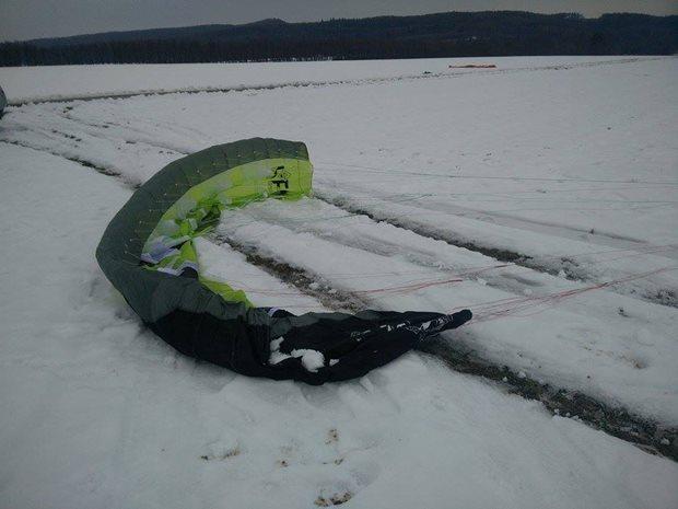 Kite-Flysurfer-Peak3-poslusne-sedi.jpg
