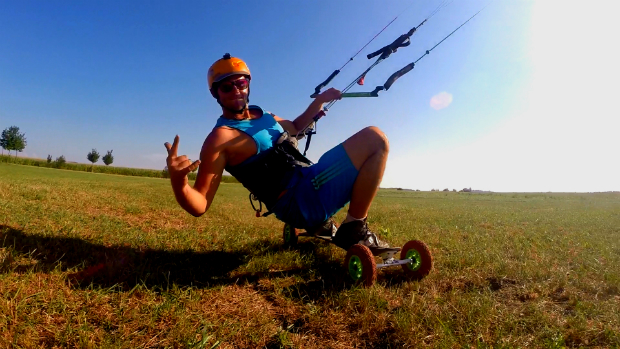 Landkiting flysurfer Speed5 Holesov