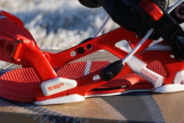 SP United snowkiting a snowboard vázání - sklopná flow patka - ukotvení lanka.JPG