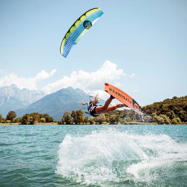 Kiteboard Flysurfer RUSH2 - freestyle