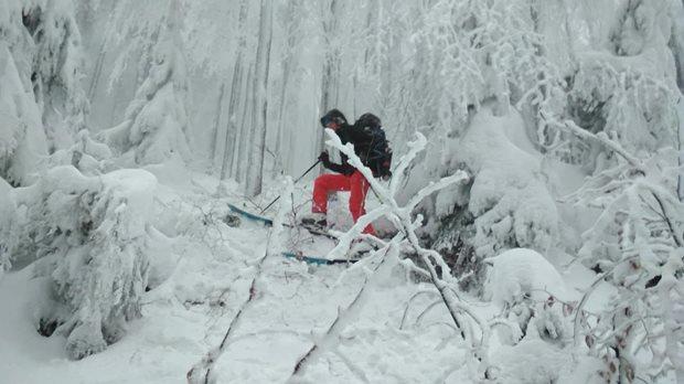 split-snowboard-vs-skialpy-traverz.jpg