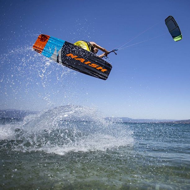 Kitesurfing-Recko-–-freestyle-na-flatu-