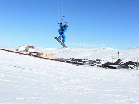 snowkiting-erciyes-kite-peter-lynn-leopard-foto-002.jpg