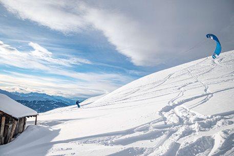 Snowkiting-NOVA-sezona-zahajena-ve-Svycarsku-