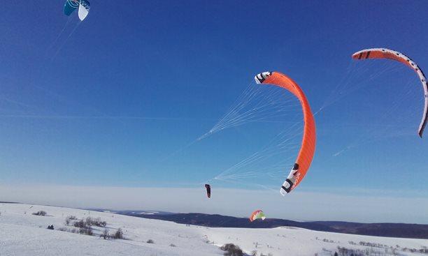 Snowkiting-Stormy-2017-Moldava-