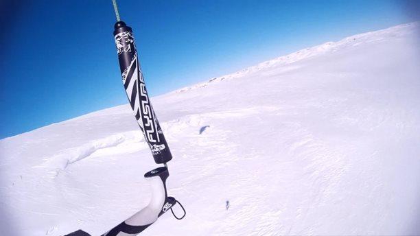 Harakiri_snowkiting_trip_Norsko_kiteflying.jpg