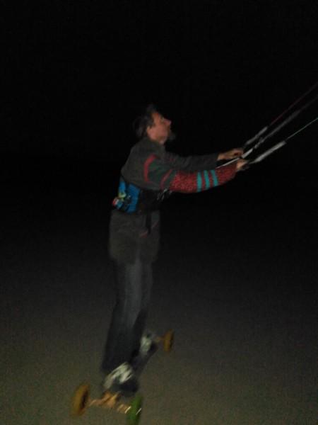 Landkiting MCR Panensky Tynec - nocni no wind kiting.jpg