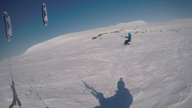 Harakiri_snowkiting_trip_Norsko_lotus.jpg