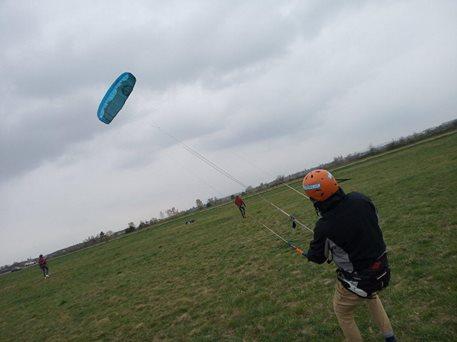 Landkiting-Harakiri-kite-kurz-Brno-Slatina-13_4_2019-