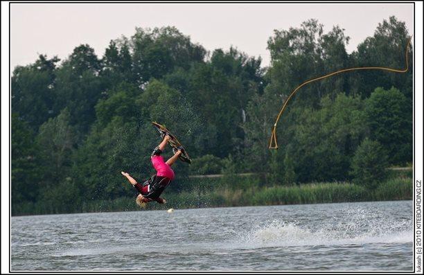 wake_vlek_straz_pod_ralskem_kite_kiteboarding_snowkiting_landkiting_nobile_naish_flysurfer_24.jpg