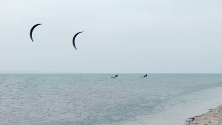 Kitesurfing-Baltic-coast-team-kiting-Flysurfer-Sonic-FR-Baltic_sea_Poland_kiting_flysurfer