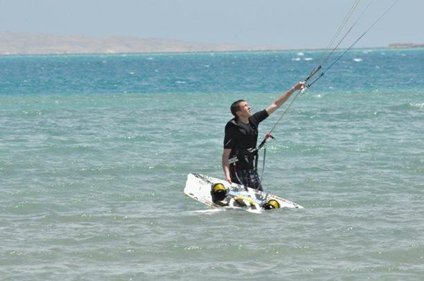 HARAKIRI kite kurzy Hurgada Egypt tahosh flysurfer 48.JPG