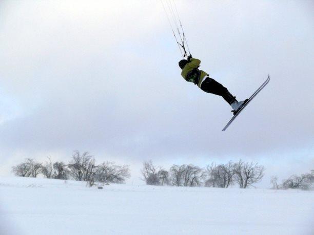 snowkiting-adolfov-peter-lynn-charger-flysurfer-speed13.JPG