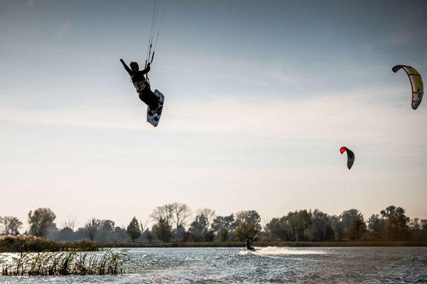 Kitesurfing-Podzim-jeste-nekonci-