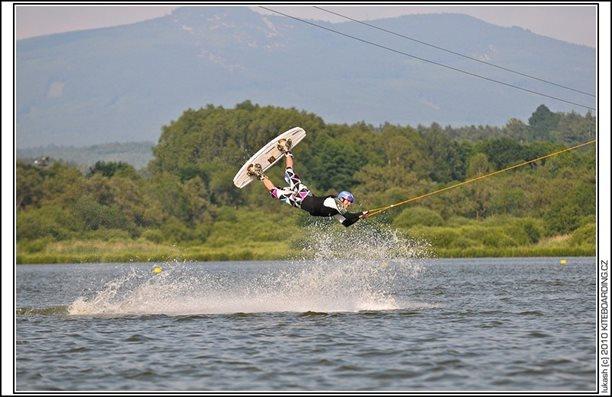 wake_vlek_straz_pod_ralskem_kite_kiteboarding_snowkiting_landkiting_nobile_naish_flysurfer_33.jpg