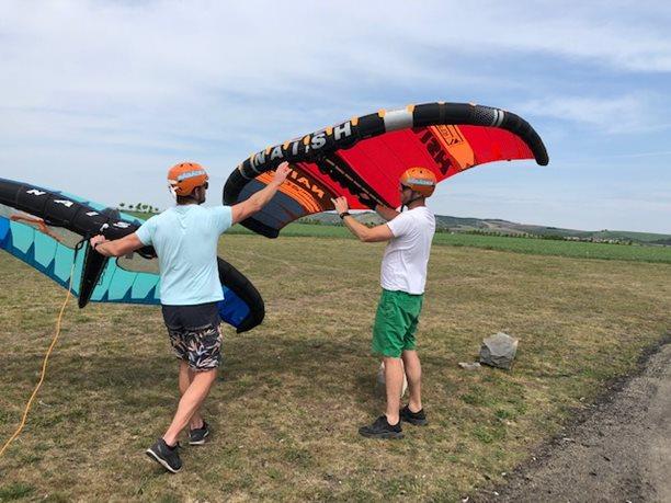 Wing-boarding-Naish-Wing-boarding-Tour-2020-Naish Wing-boarding Tour 2020 - nejdřív se naučíme ovládat wing