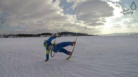 Snowkiting-MCR-ve-snowkitingu-2018-LIPNO-