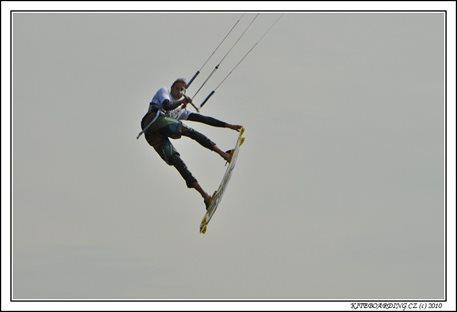 naish-torch2011-torch-flysurfer-nobile-kiteboarding-10.jpg