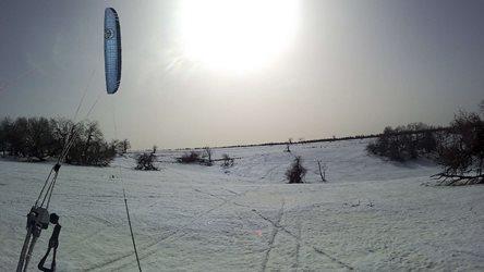 Snowkiting - jarní únorová Moldava