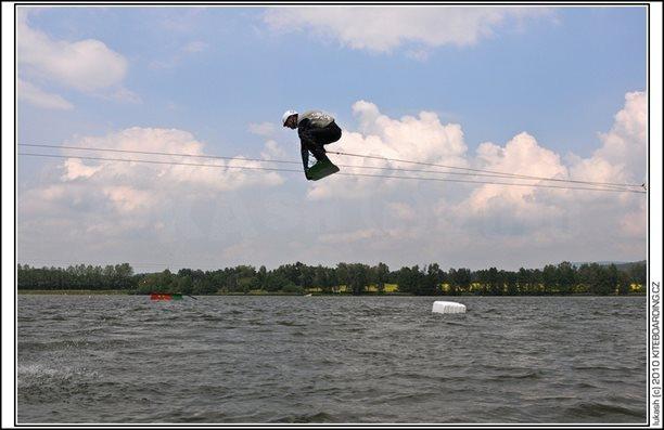 wake_vlek_straz_pod_ralskem_kite_kiteboarding_snowkiting_landkiting_nobile_naish_flysurfer_08.jpg