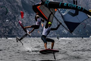 Wing-boarding-Wingfoil-tour-Malcesine (2)-