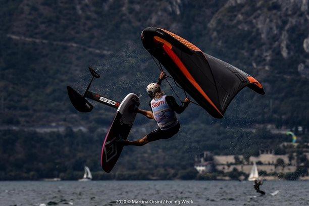 Wing-boarding-Wingfoil-tour-Malcesine (4)-