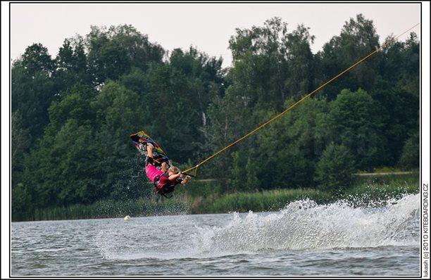 wake_vlek_straz_pod_ralskem_kite_kiteboarding_snowkiting_landkiting_nobile_naish_flysurfer_23.jpg