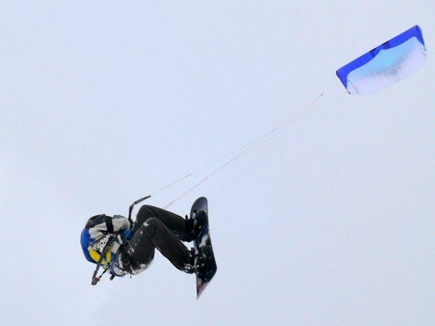 snowkiting-adolfov-peter-lynn-charger-flysurfer-speed15.JPG