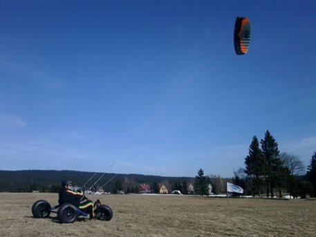 landkiting-kitebuggy-abertamy-tahosh-05.jpg